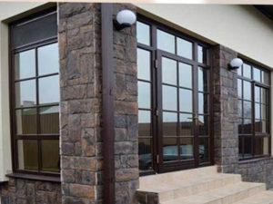 пластиковые коричневый двери со шпросами