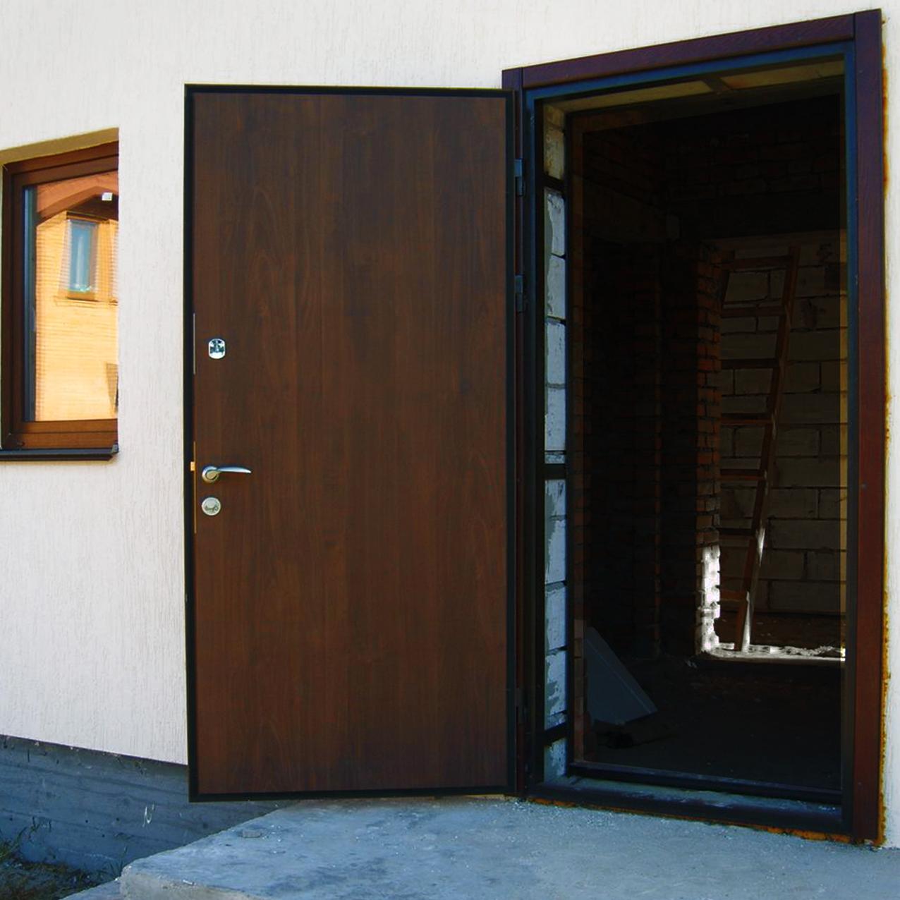 двери металлические входные дом окон пластиковые окна
