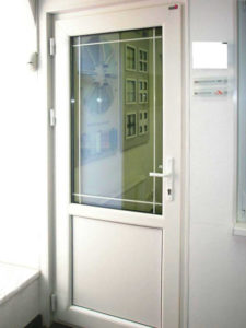 межкомнатная пластиковая дверь 4
