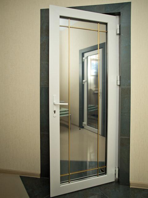 межкомнатная пластиковая дверь 7