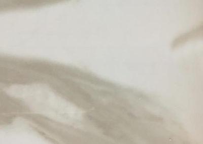 серый глянцевый